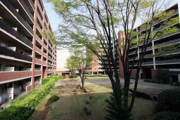 「森の中庭」「芝生の中庭」「水辺の中庭」3つの中庭